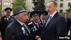 Prezident Ilham Əliyev müharibə veteranları ilə, 2015