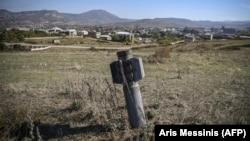 """Невзривена ракета от БМ-30 """"Смерч"""" в Нагорни Карабах"""