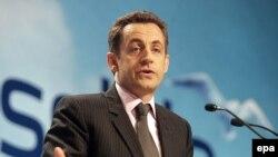 Среди молодежи парижских пригородов - много врагов Саркози, готовых сорвать его президентскую кампанию