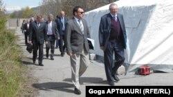 Традиционно во встрече в рамках МПРИ приняли участие грузинская и югоосетинская делегации, а также представители миссии наблюдателей ЕС и других международных организаций