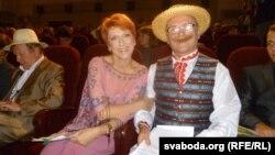 Вядоўцы на адкрыцьці «Анімаёўкі» — магілёўскі актор, ён жа Несьцерка, Васіль Галец з расейскай акторкай Аксанай Сташэнкай