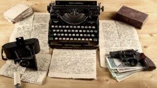 Шпионаж и литература