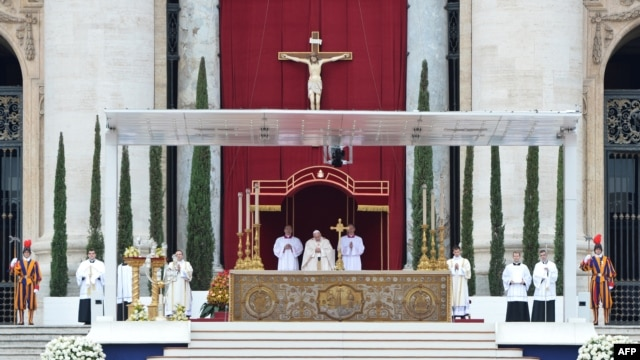 Vatican -- Pope Francis (C) leads dual canonization of Popes John XXIII and John Paul II at St Peter's Square on 27apr2014