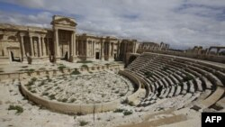 Байыркы Палмирадагы ачык асман алдындагы театрдын бир бөлүгү. 14-март 2014