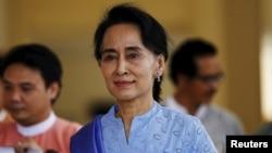خانم سوچی در گفتوگو با بیبیسی چنین ابراز عقیده کرد که «پاکسازی قومی» واژه ای «بیش از حد قوی» برای شرایط حاکم در میانمار است.