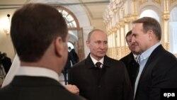 Президент Росії Володимир Путін і лідер організації «Український вибір» Віктор Медведчук, архівне фото