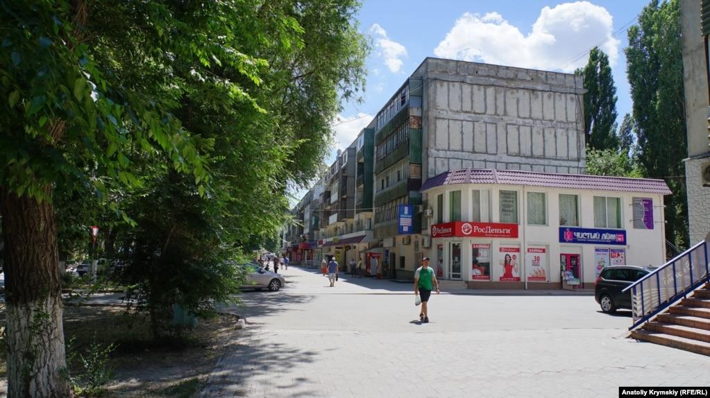 На центральной улице Сопина