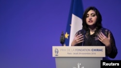 Gulalai Ismail delivers an acceptance speech after being awarded the Prize for Conflict Prevention for the work of her organization promoting women's issues and equality in Pakistan at a ceremony in Paris in November 2016.