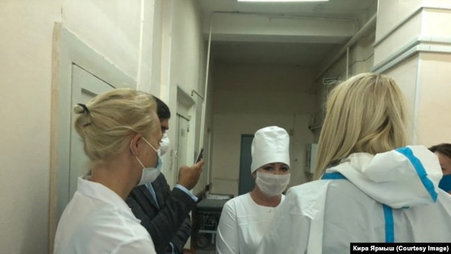 Юлия Навальная в омской больнице