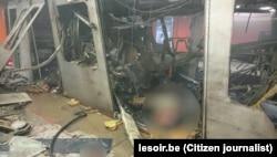 Поврежденный поезд в брюссельском метро после теракта. 22 марта 2016 года.