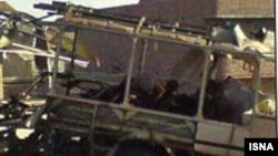 در روز چهارشنبه، انفجار بمبی در نزديکی اتوبوسی متعلق به سپاه پاسداران انقلاب اسلامی، به کشته شدن ۱۱ تن از کارکنان اين نيروی نظامی انجاميد و دهها تن از کارکنان سپاه و شهروندان عادی نيز مجروح شدند.