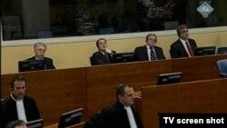 Šainović i ostali u sudnici 15. ožujka 2013.