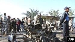 ۱۶ نفر در بغداد بر اثر انفجار سه بمب کشته شدند.