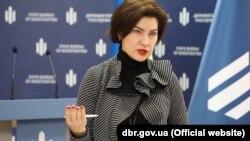 Генеральна прокурорка Ірина Венедіктова також відмовилася коментувати заяви адвокатів Порошенка щодо характеру обвинувачень
