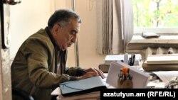 Բանասիրական գիտությունների դոկտոր, պրոֆեսոր Լավրենտի Հովհաննիսյան