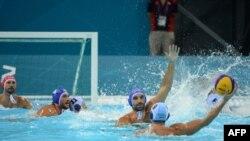 Су добынан Қазақстан мен Грекия командалары арасындағы кездесу. 2 тамыз 2012 ж.