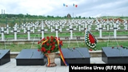 La Cimitirul militar de la Țiganca