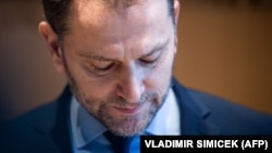 Igor Matovic leköszönő miniszterelnök sajtótájékoztatója a pozsonyi elnöki palotában 2021. március 30-án