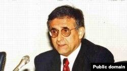 هوشنگ امير احمدی، رئيس شورای ايرانيان- آمريکاييان،