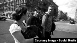 """Участники арт-группы """"Война"""" Коза, Леня ****** и Олег Воротников в Петербурге"""