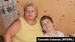 Maria Cazac şi fiica sa Eufrosinia Ştirbu