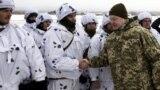 Президент України, верховний головнокомандувач ЗСУ Петро Порошенко під час навчань на полігоні з бойовою стрільбою. Чернігівщина, 3 грудня 2018 року