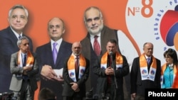 Armenia - Former Defense Minister Seyran Ohanian (second from right) and other leaders of the ORO opposition bloc hold a campaign rally in Yerevan, 11Mar2017.