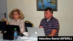 Ruslan Deinichenko şi Tatiana Matîceak, redactor-şef al portalului stopfake.org