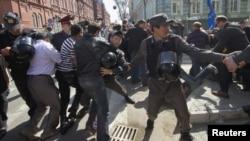 Intervenție a poliției la protestele de la Astrahan