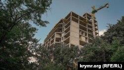 Многоэтажное строительство в поселке Научный Бахчисарайского района, август 2019 года