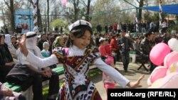 Празднование Навруза в Ташкенте.