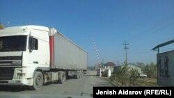 Кыргыз-өзбек чек арасы: ок атылган жолдо