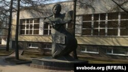 Помнік Еўдакіі Лось у Віцебску