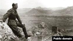 Крим у період німецької окупації. Краєвид на Судак із Генуезької фортеці
