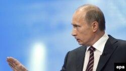 Орус өкмөтүнүн башчысы В.Путин эл менен үч сааттан ашык сүйлөштү