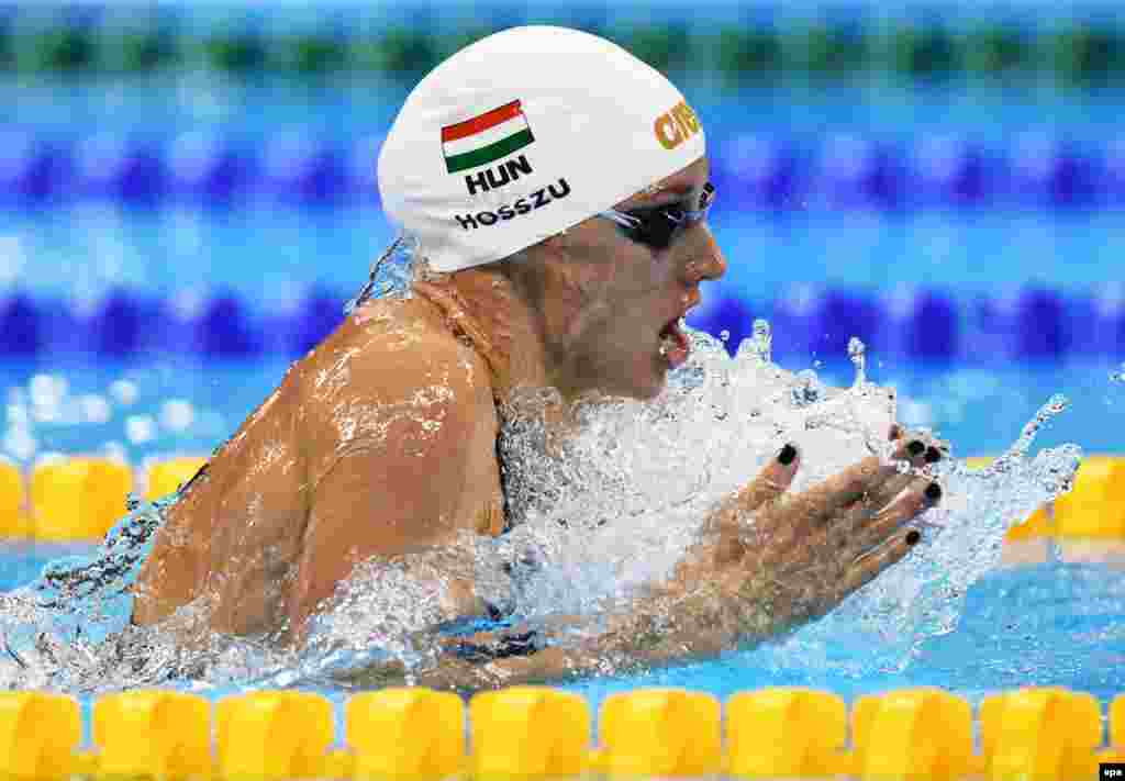 Katinka Hosszu of Hungary on her way to winning the women's 200-meter individual medley gold medal.