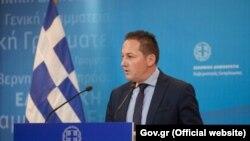 Портпаролот на грчката влада, Стелиос Пецас
