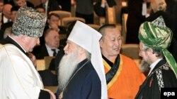 Религиозные лидеры России были представлены сегодня в Мраморном зале Кремля в большом разнообразии