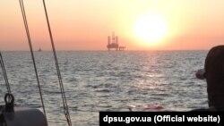 ДПСУ продовжує збирати інформацію про незаконну економічну діяльність Росії у виключній морській економічній зоні України