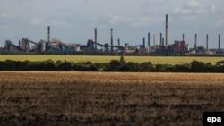 Вид на город Авдеевка близ Донецка.