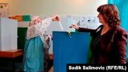 Босниядағы дауыс беру. Сребреница, 12 қазан 2014 жыл.