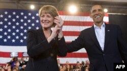 Победа республиканца на выборах в традиционно демократическом штате Массачусетс потрясла сторонников Барака Обамы. Кандидат от демократов Марта Кокли не смогла стать преемницей Эдварда Кеннеди, несмотря на поддержку президента.