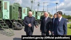 Аляксандр Лукашэнка наведвае аб'ект ўрадавай сувязі КДБ, 9 жнiўня 2019 году