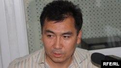 Равшан Жээнбеков Бажы биримдигине каршылардын катарында.