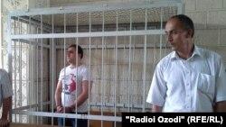 Усмоналӣ Ғайратов дар додгоҳ