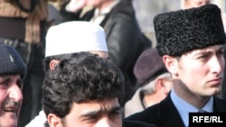 Crimean Tatars gather in the settlement of Yani Kyrym