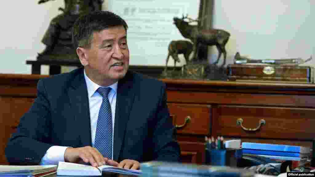 Заместитель главы президентского аппарата на приеме у главы государства Алмазбека Атамбаева. Бишкек, 2016 год.