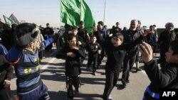 Pamje nga ritualet fetare të shiitëve në Irak