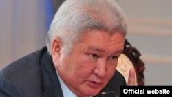 Феликс Кулов, лидер партии «Ар-Намыс». Бишкек, 5 июля 2012 года.