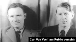 Кристофер Ишервуд (слева), писатель и драматург, и Уистен Хью Оден. Февраль 1939. Фото Carl Van Vechten